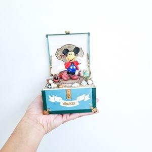 DISNEY Mickey Mouse Toy Chest Music Box
